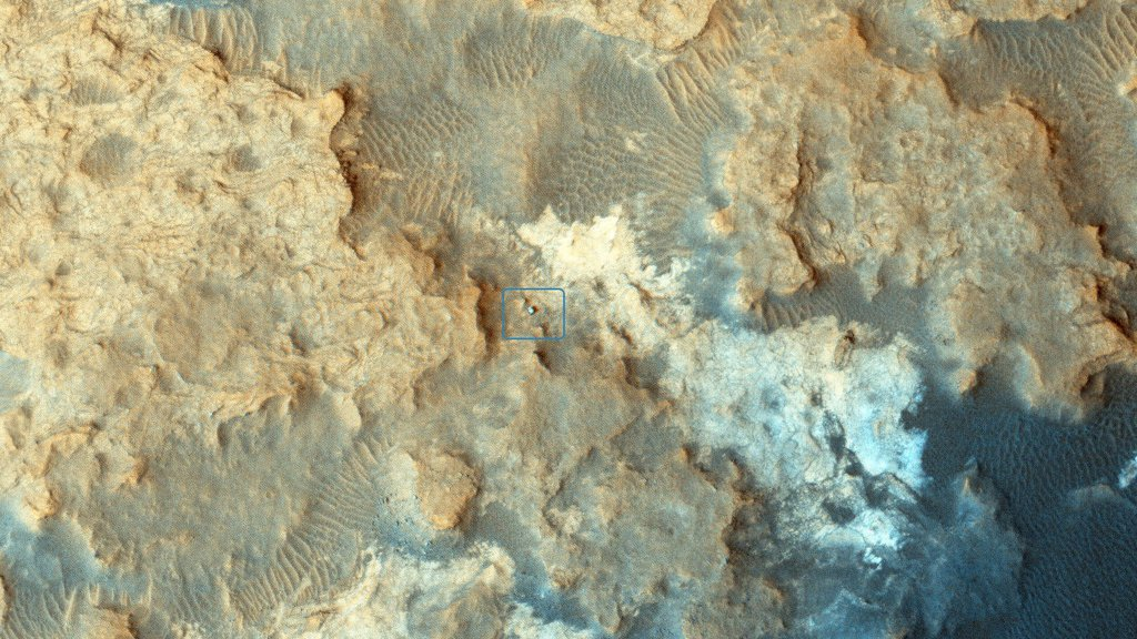 NASA's Curiosity Mars rover can be seen at the 'Pahrump Hills' area of Gale Crater in this view from the High Resolution Imaging Science Experiment (HiRISE) camera on NASA's Mars Reconnaissance Orbiter.