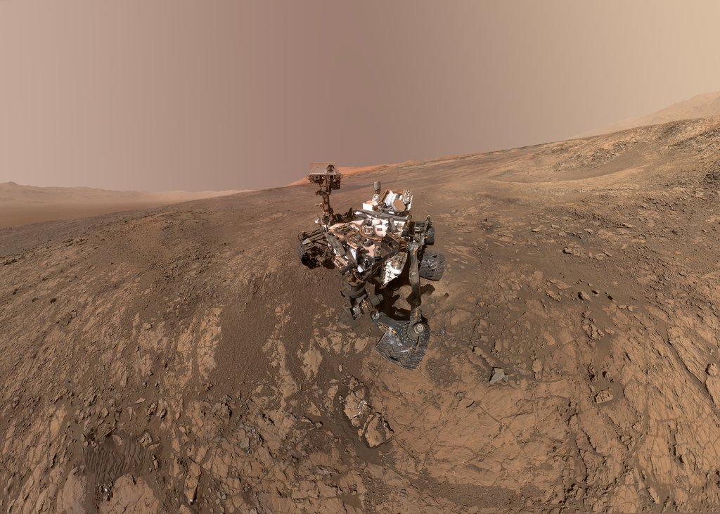 This self-portrait of NASA's Curiosity Mars, taken on Jan 23, 2018, rover shows the vehicle on Vera Rubin Ridge, which it's been investigating for the past several months.