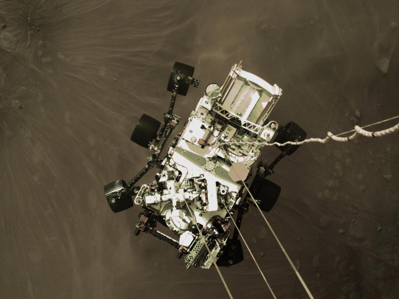 El Rover de la NASA Perseverance nos ha enviado un adelanto de lo que fue su aterrizaje en Marte.